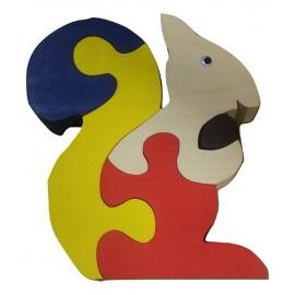 un puzzle  3D en bois écureuil multicolore  pour les enfants